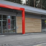 Lesena fasada Interspar vhod