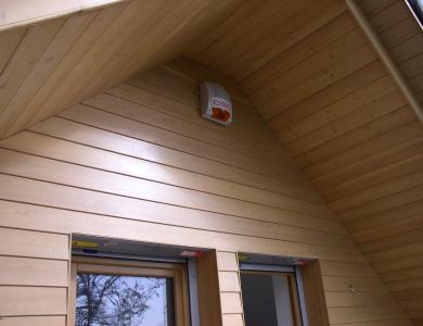 Lesena-fasada-Krvavec-okna