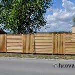 Lesena ograja Krsko spredaj