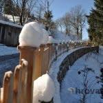 Lesena ograja Markovec sneg