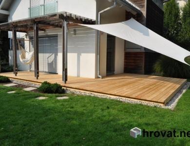 Lesena terasa Šenčur od dalec