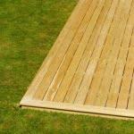 Lesena terasa od blizu 2