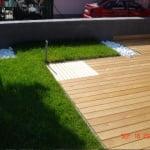 Lesena terasa s travo 2