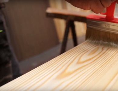 Primer oljenja lesenih izdelkov
