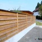 Primer pločevinastega odkapnika na ograji