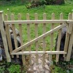 lesena ograja markovec vrata