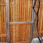 lesena ograja vizmarje vrata tri
