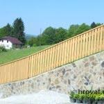 Lesena ograja vrhnika spredaj