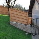 lesena ograja zalec od strani