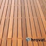 lesena terasa dravlje od blizu