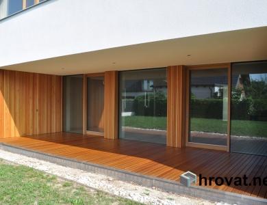 lesena terasa jarse od dalec